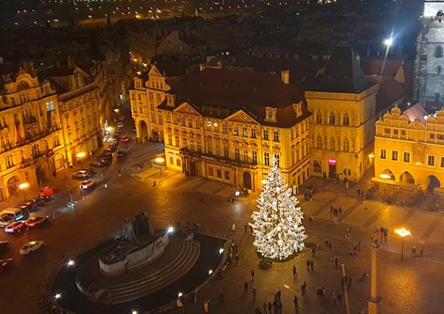 Прага опубликовала официальное видео зажжения рождественской ёлки