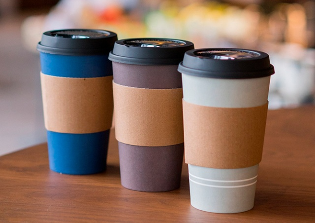 Жителям Чехии разрешили пить кофе на улице