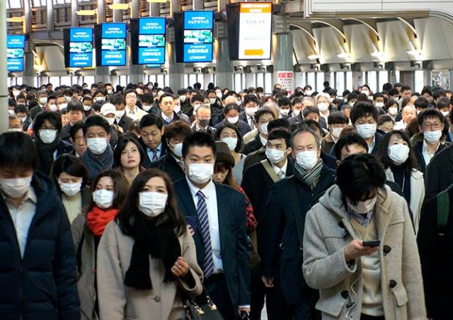 Япония закрывает границы из-за нового штамма коронавируса