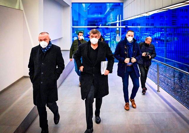 В Чехии отложили начало широкой записи на прививку от коронавируса