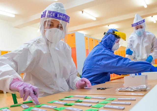 В Чехии общее число заражений коронавирусом превысило 1 миллион