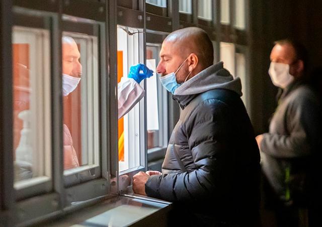 Статистика показала замедление эпидемии в Чехии, но число «тяжелых» пациентов обновило рекорд