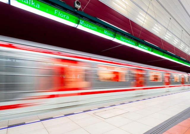 За год мобильным сигналом покрыли 23 станции пражского метро