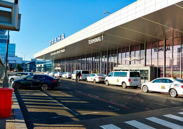 Чехия продлила ограничение на въезд иностранцев