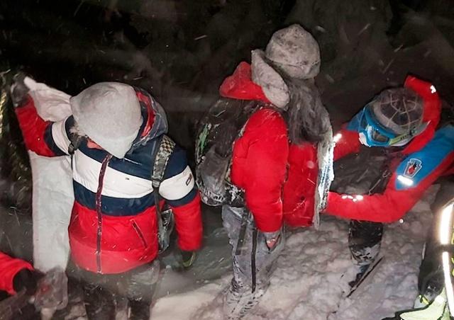 В чешских горах пришлось спасать туристов, одевшихся не по погоде