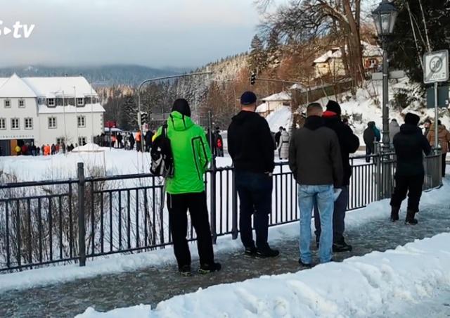 На немецкой границе выстроились очереди из чешских работников: видео