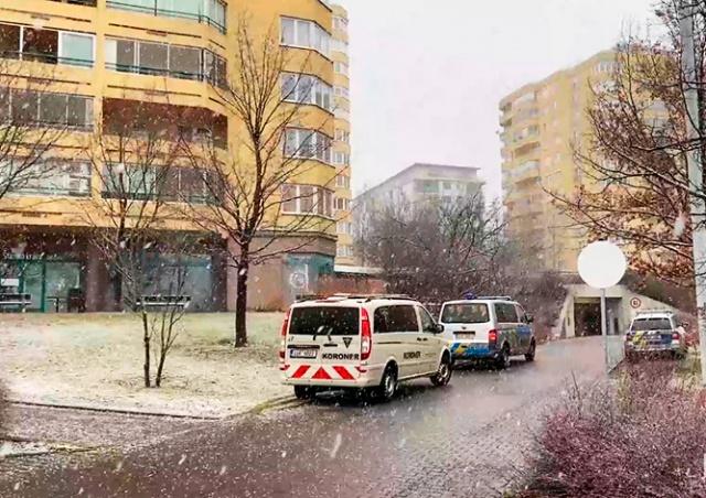 В Праге мужчина выпрыгнул из окна девятого этажа