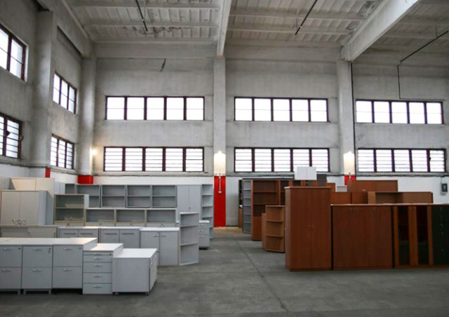 Прага открыла склад мебели для нуждающихся горожан