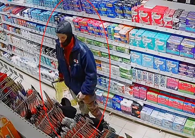 В Праге вор украл 30 упаковок презервативов и 29 тюбиков лубриканта: видео
