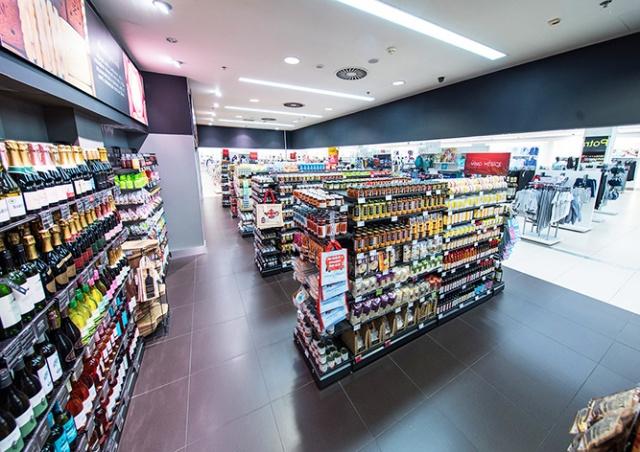 Marks & Spencer временно закроет свои продуктовые магазины в Чехии
