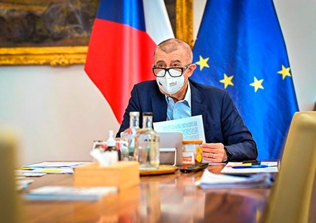 Премьер Чехии назвал ориентировочный срок смягчения карантинных мер