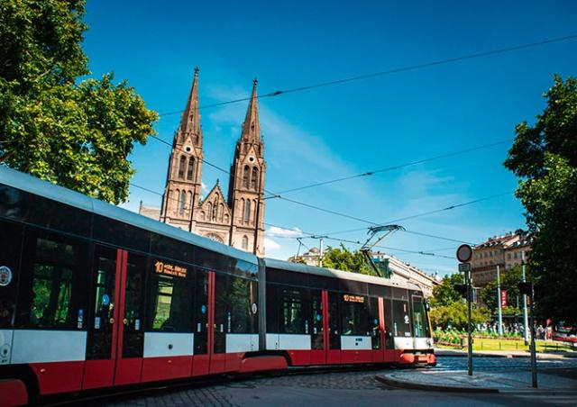 В Праге из-за ремонта путей остановят движение трамваев в районе Náměstí Míru