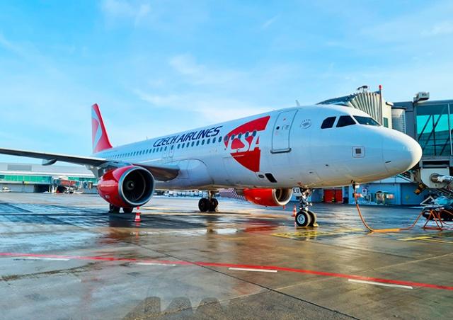 «Чешские авиалинии» и SmartWings начнут требовать у пассажиров негативный тест
