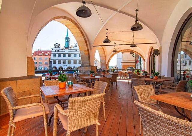 Назван ориентировочный срок открытия террас ресторанов в Чехии