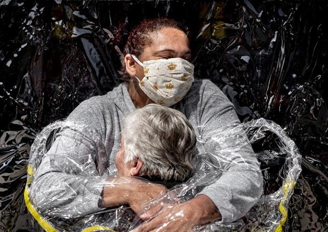 World Press Photo выиграл снимок о пандемии коронавируса