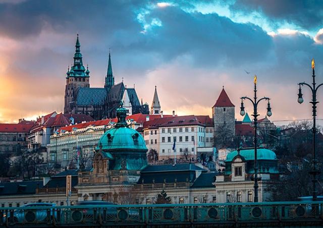 Чехия предложила провести встречу Байдена и Путина в Праге
