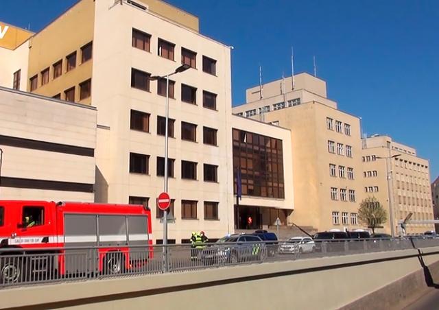 Здание МВД Чехии эвакуировали из-за сообщения о бомбе