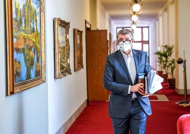 С июня в Чехии снизится доступность бесплатных тестов на коронавирус