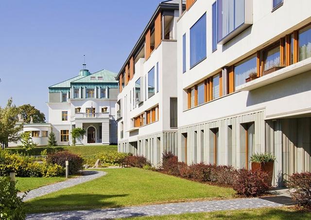 СМИ: российские дипломаты начали распродавать квартиры в Праге незадолго до скандала