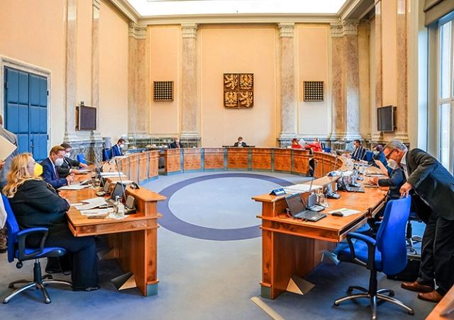 Важно: в Чехии утвердили новую волну снятия карантинных ограничений