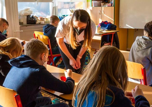 Школы и детские сады откроются по всей Чехии с 10 мая
