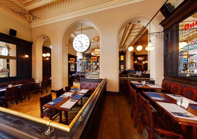 Бабиш: внутренние помещения ресторанов откроются 14 июня