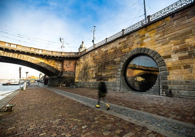 В Праге вновь открыли набережные