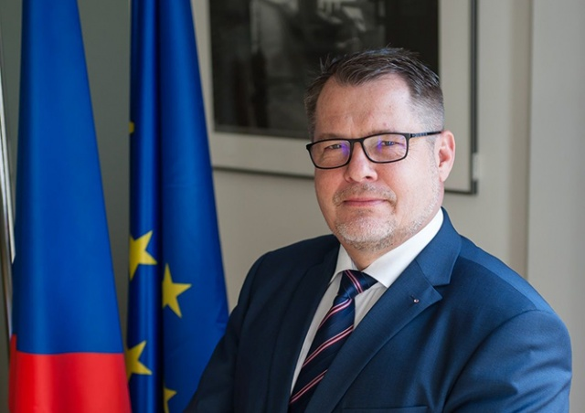 Посол Чехии посетил военный парад на Красной площади