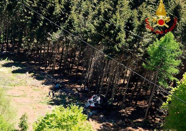 В Италии упала кабина канатной дороги: 13 погибших