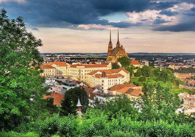 В Чехии хотят «подстегнуть» внутренний туризм раздачей ваучеров по 3000 крон