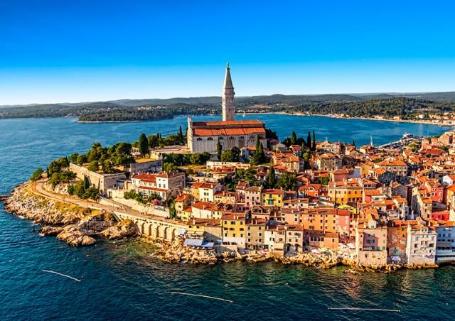 Туристы из Чехии смогут ездить в Хорватию без теста и прививки