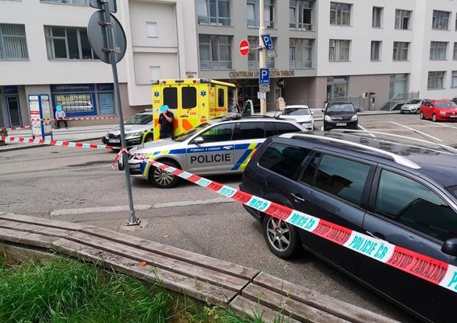 В Чехии полицейские 9 часов отговаривали мужчину от самоубийства. Безуспешно