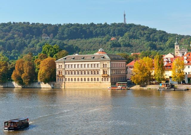 В субботу для туристов откроют Лихтенштейнский дворец в Праге