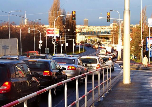 Прага обяжет автомобилистов платить за въезд в город