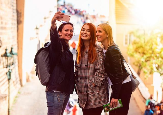 Прага раздаст остановившимся в отелях туристам билеты в музеи и галереи