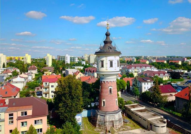 В Праге продают водонапорную башню, переделанную под жилье