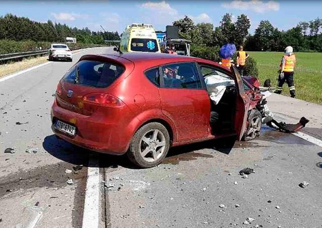 Из-за жары в Чехии «вздыбилась» автомагистраль: 8 человек пострадали