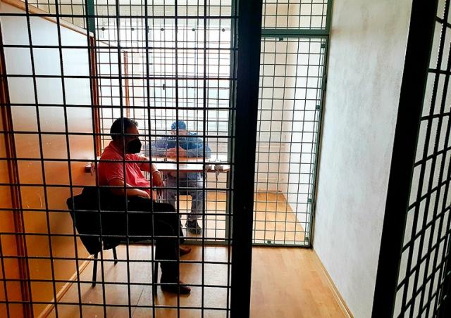 Чехию обязали извиниться перед заключенным за отказ предоставить веганское питание