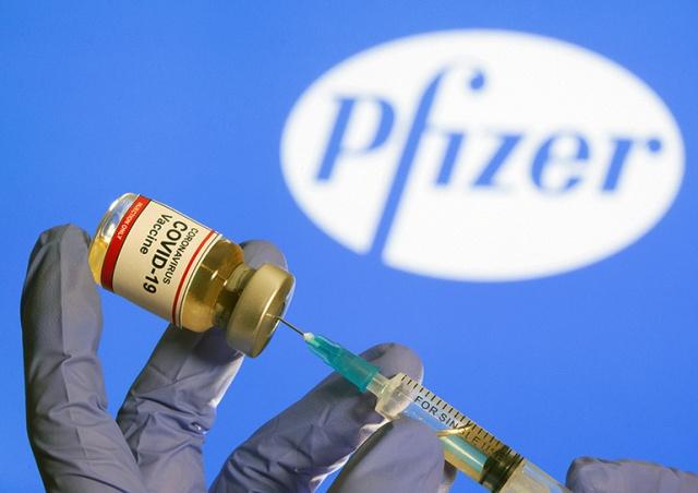 США расширили список побочных эффектов вакцин Moderna и Pfizer