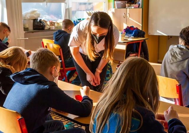 Минздрав Чехии смягчил масочный режим в школах