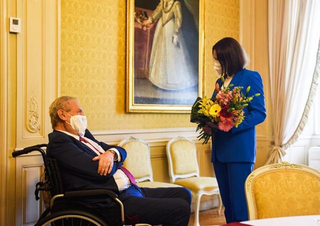 Президент Чехии пожелал Тихановской победы над диктатором Лукашенко