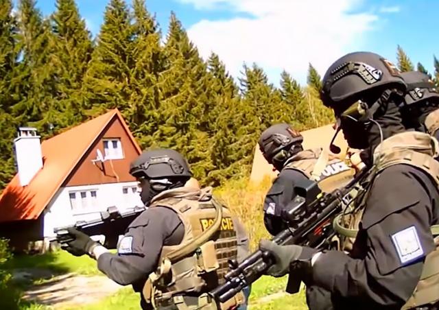 В Чехии задержали разыскиваемого Арменией вора в законе: видео