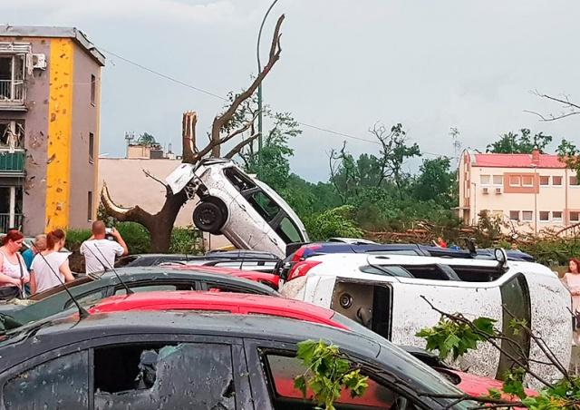 На Чехию обрушился торнадо: серьезные разрушения