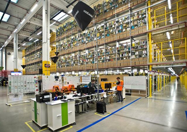 Власти Чехии проверяют склад Amazon на соблюдение условий труда