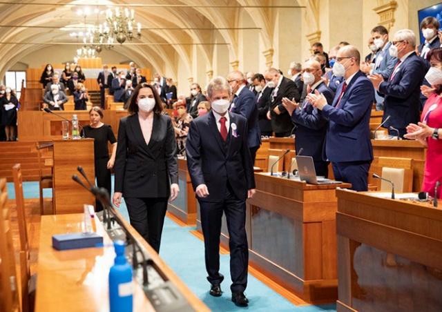 Земан предложил Тихановской открыть в Праге представительство белорусской оппозиции