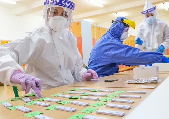 Официально: с сентября в Чехии отменят бесплатные тесты на коронавирус