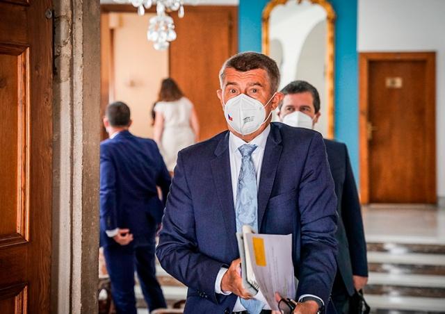 Правительство Чехии ужесточило карантинные меры