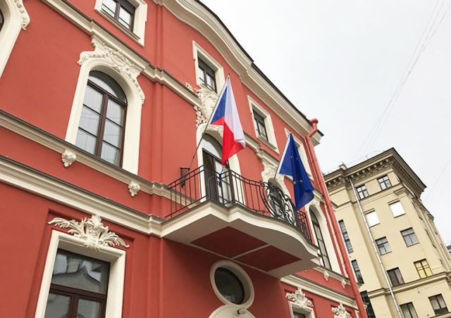 Чехия разрешила въезд россиянам со студенческими визами