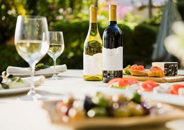 Десять вкусных французских вин до 200 крон