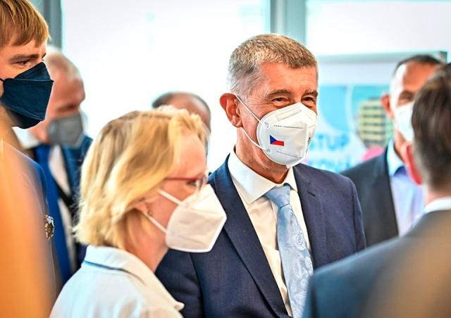 Премьер Чехии предложил новый способ мотивировать жителей вакцинироваться